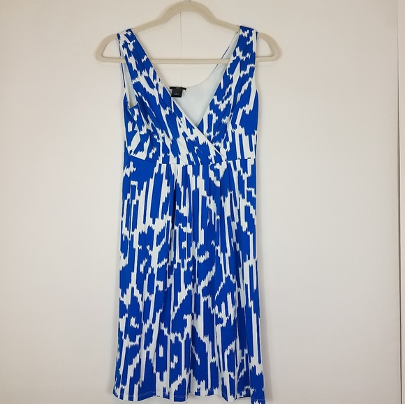 Ann Taylor Dresses & Skirts - Ann taylor blue and white designed dress size Sp